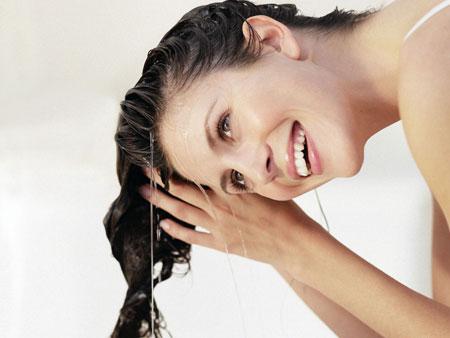 Как правильно ополаскивать волосы крапивой