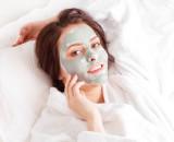 Видео: универсальная глиняная маска для лица