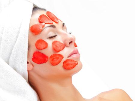 Польза клубники в масках для лица