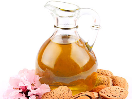 миндальное масло богато витаминами