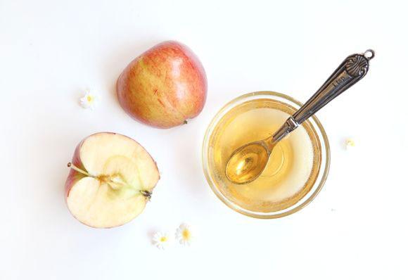 яблочный уксус укрепляет волосы