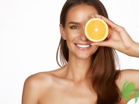 сок лимона снижает пигментацию на лице
