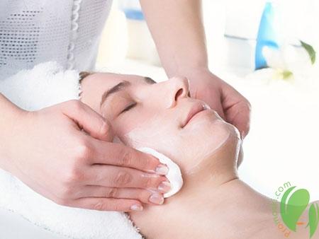 Сочетание косметических методик для глубокого очищения кожи