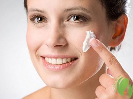 применение антивозрастного крема для лица