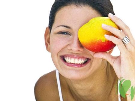 Сочные экзотические плоды манго для женской красоты