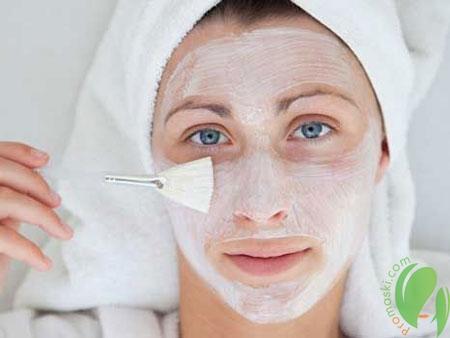 маска из белой глины против воспалений на коже