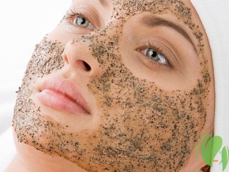 Очищение кожи лица с помощью отшелушивающих масок