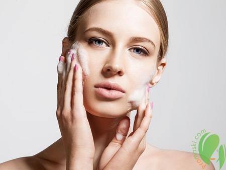 Как бережно очистить лицо натуральными средствами?
